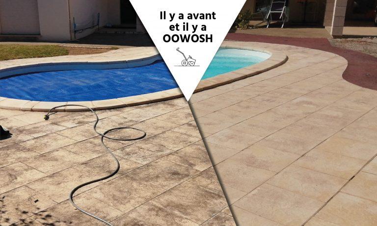 Terrasse piscine carrelée pleine de mousse.  Résultat : Une terrasse propre, une piscine mise en valeur.